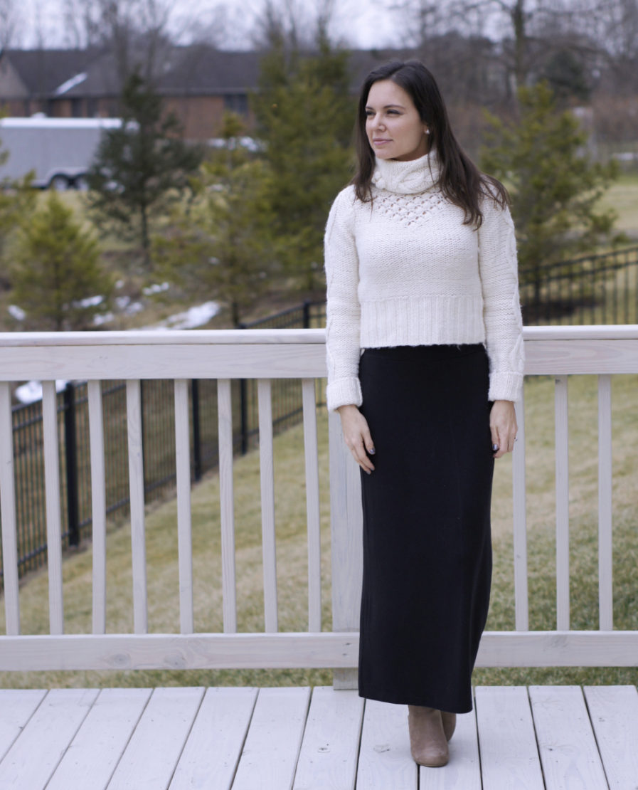 Crop Sweater + Maxi skirt | Style in Shape